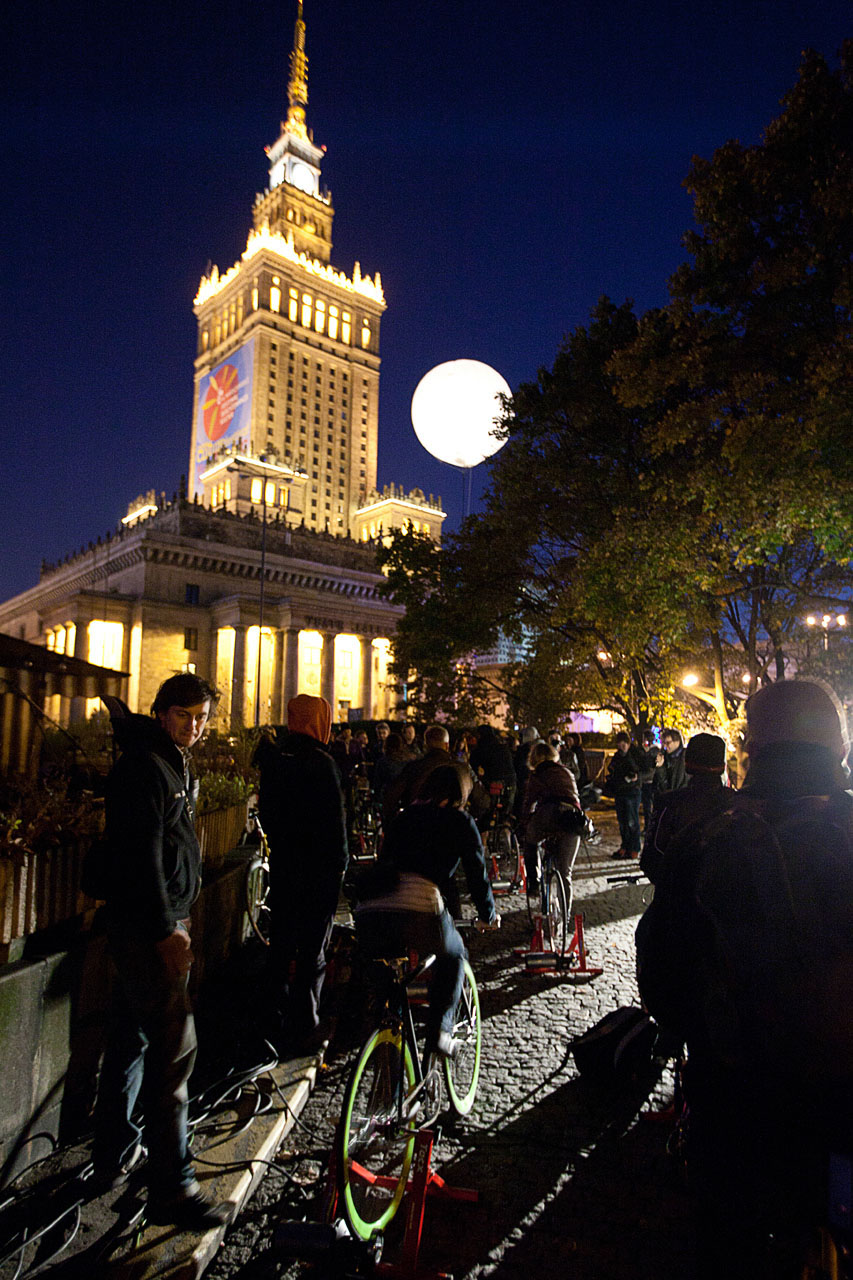 """Moon Ride. Interactive installation, 2010. Group exhibition """"Warsaw under Construction"""". Museum of Modern Art, Plac Defilad, Warsaw (PL). Photo: Museum of Modern Art."""